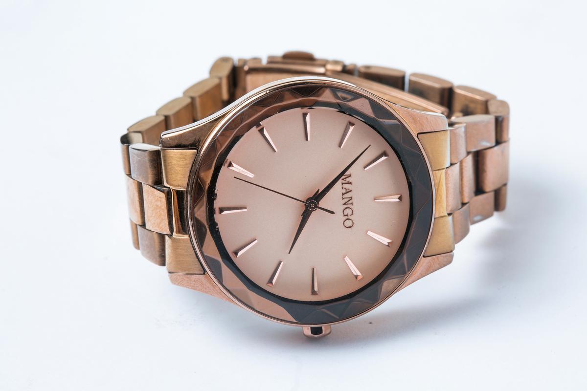 MANGO手錶,約NT$4,000。