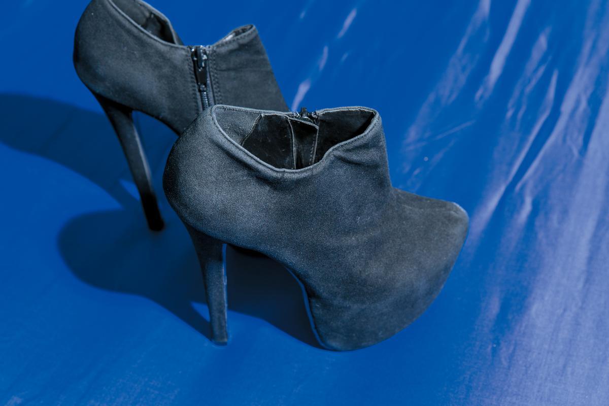 張惠妹的二手高跟鞋,造型師贈送。