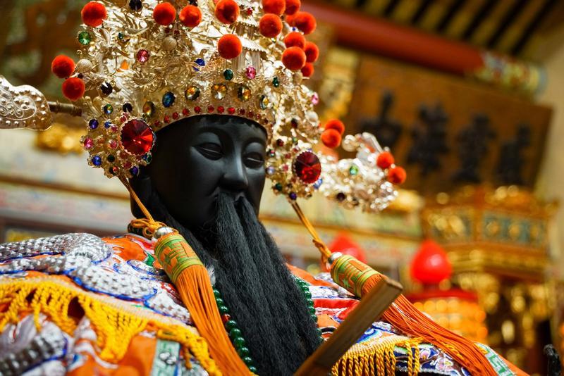 住在台北霞海城隍廟口的在地人,習慣稱城隍為「老爺」。
