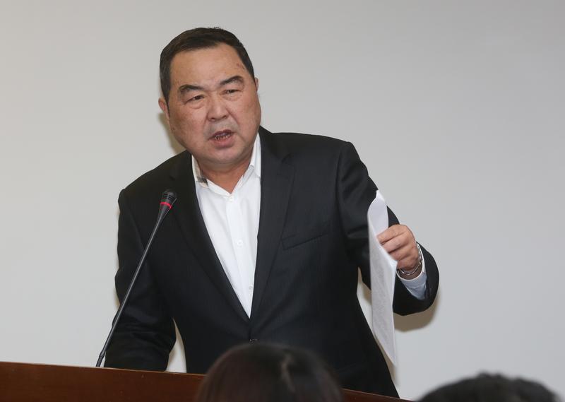 韓福宇等3人經國民黨立委徐志榮助理丁旗源帶領下,前往8樓會議室。