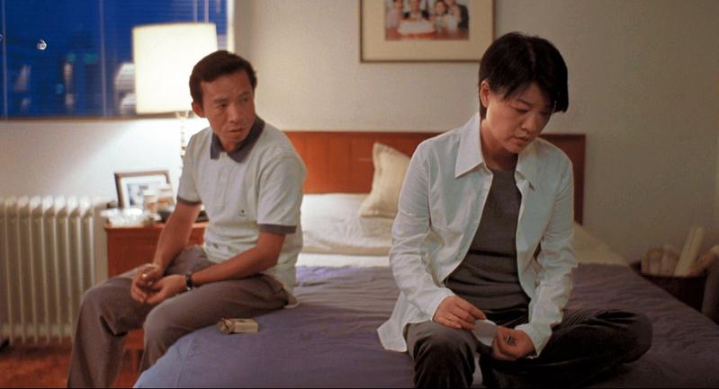 楊德昌電影《一一》問世17年,終於將在台灣戲院正式上映,片中吳念真(左)與金燕玲飾演夫妻。(傳影互動提供)