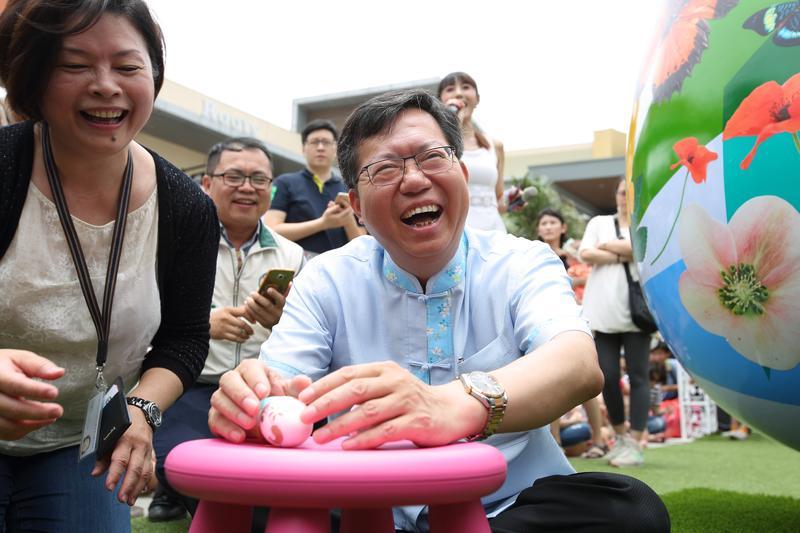 鄭文燦用照相記憶法闖盪政壇。