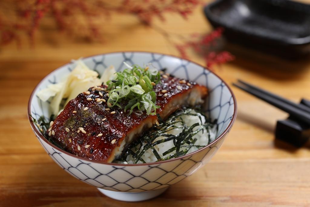 今日主食是搭配土丑日進補的美味「鰻魚飯」。(2,000元套餐菜色)