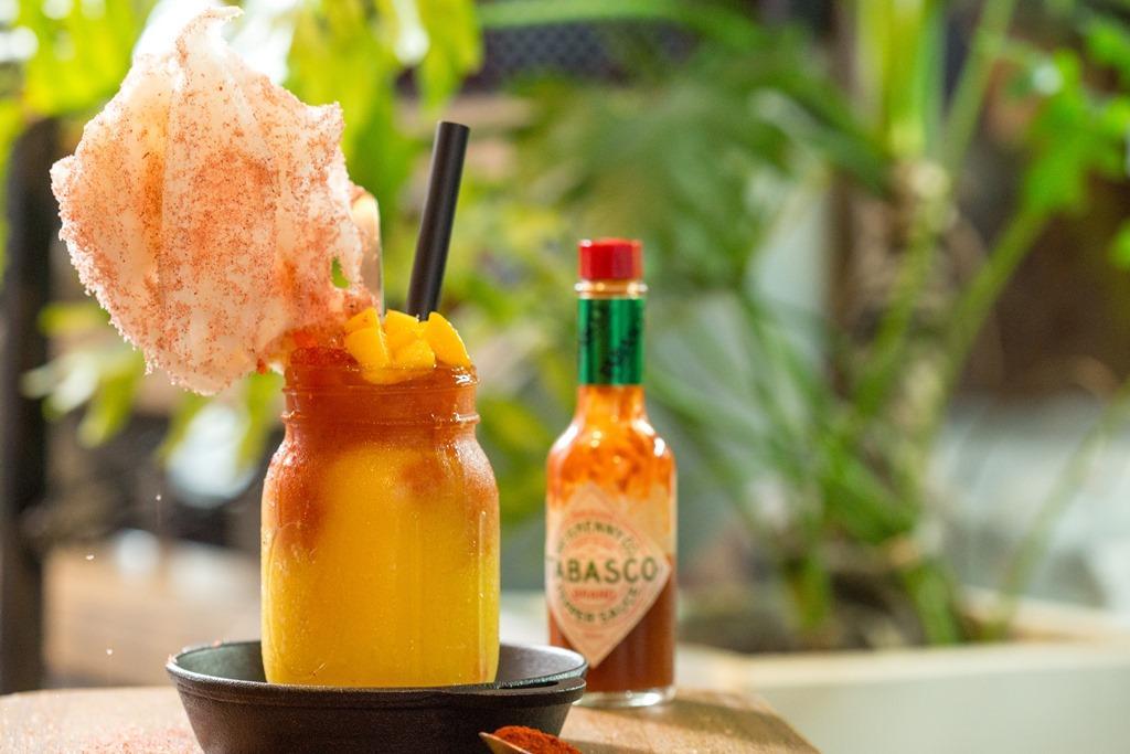 「瑪雅火炬冰沙」是以芒果混合紅椒粉、鹽、檸檬,調成嗆辣酸甜,具有強烈衝擊感的消暑飲品。(280元/杯)