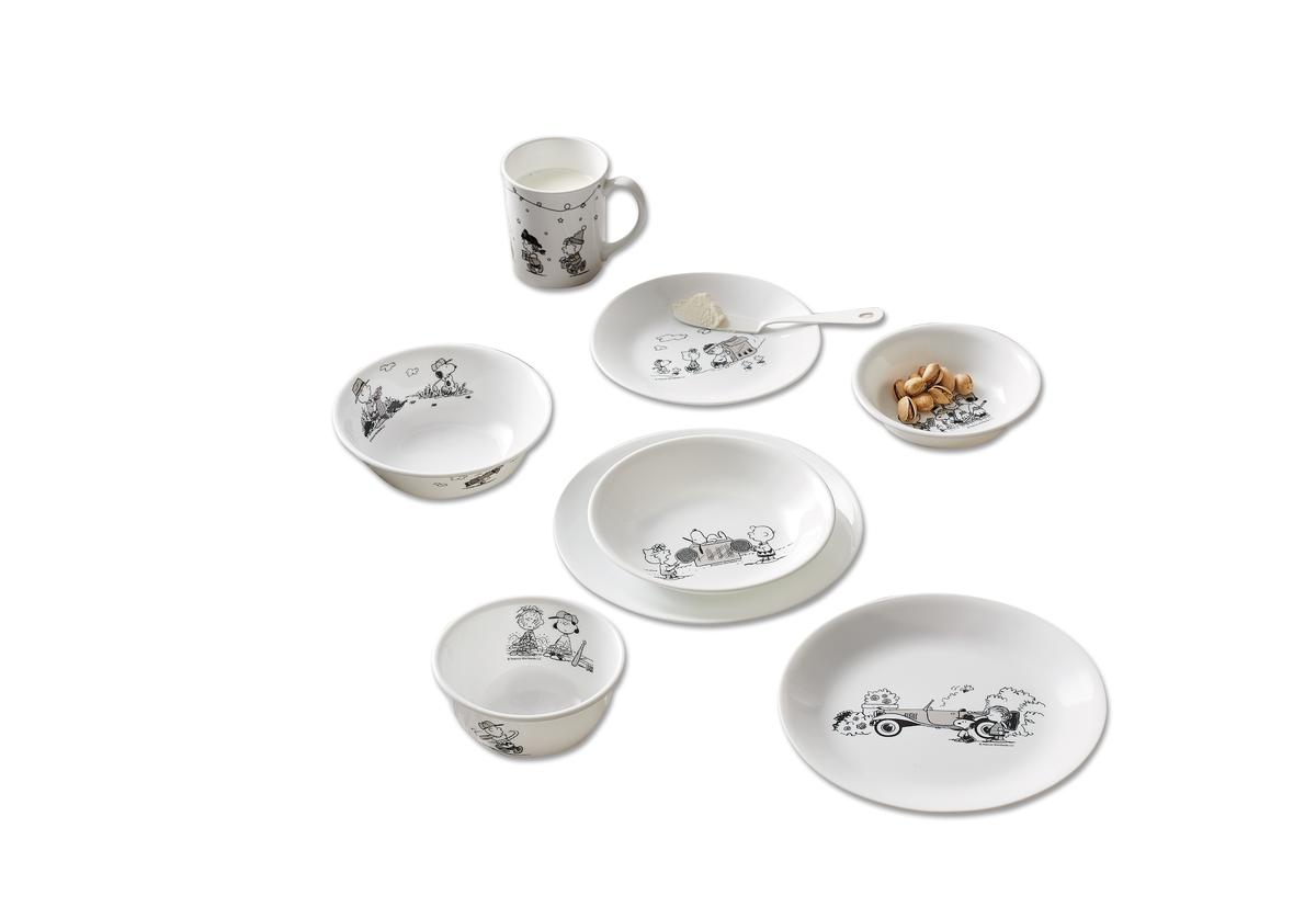 2007年,花仙子開始代理美國康寧餐具。圖為新款史奴比餐具。(449~750元/個)(花仙子提供)
