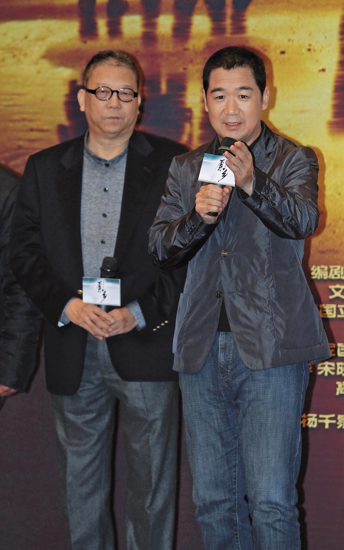 《原鄉》為2012年兩岸合作拍攝的鄉土劇,找來張國立(右)主演,陳文貴執筆編劇。(東方IC)