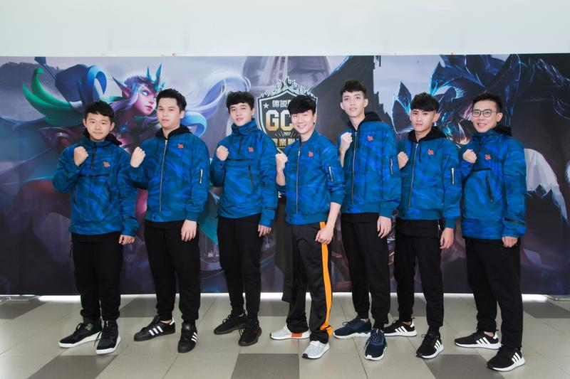 林俊傑(中)宣布成立SMG電競戰隊,未來還將參與賽事。