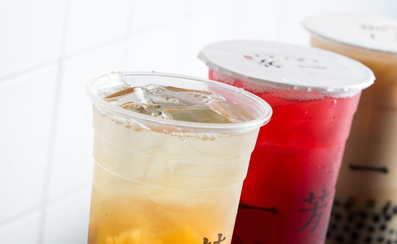 台北市衛生局今公布第二波抽檢的飲冰品,知名茶飲「一芳台灣水果茶」也上榜。