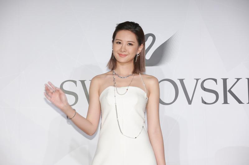 安心亞剛從新加坡拍戲回台出席Swarovski活動。