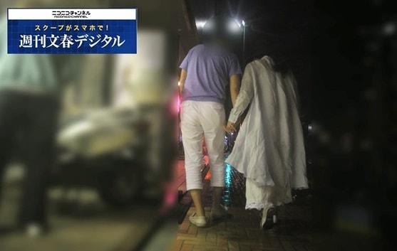 日本《週刊文春》拍到昔日玉女齊藤由貴疑似背著老公偷吃,偷吃的對象也是已婚的醫生。(翻攝網路)