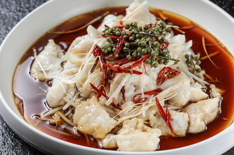 「鮮花椒油浸深海魚片」鮮辣爽口,魚肉清甜,令人回味再三。(人民幣78元/份,約NT$351)