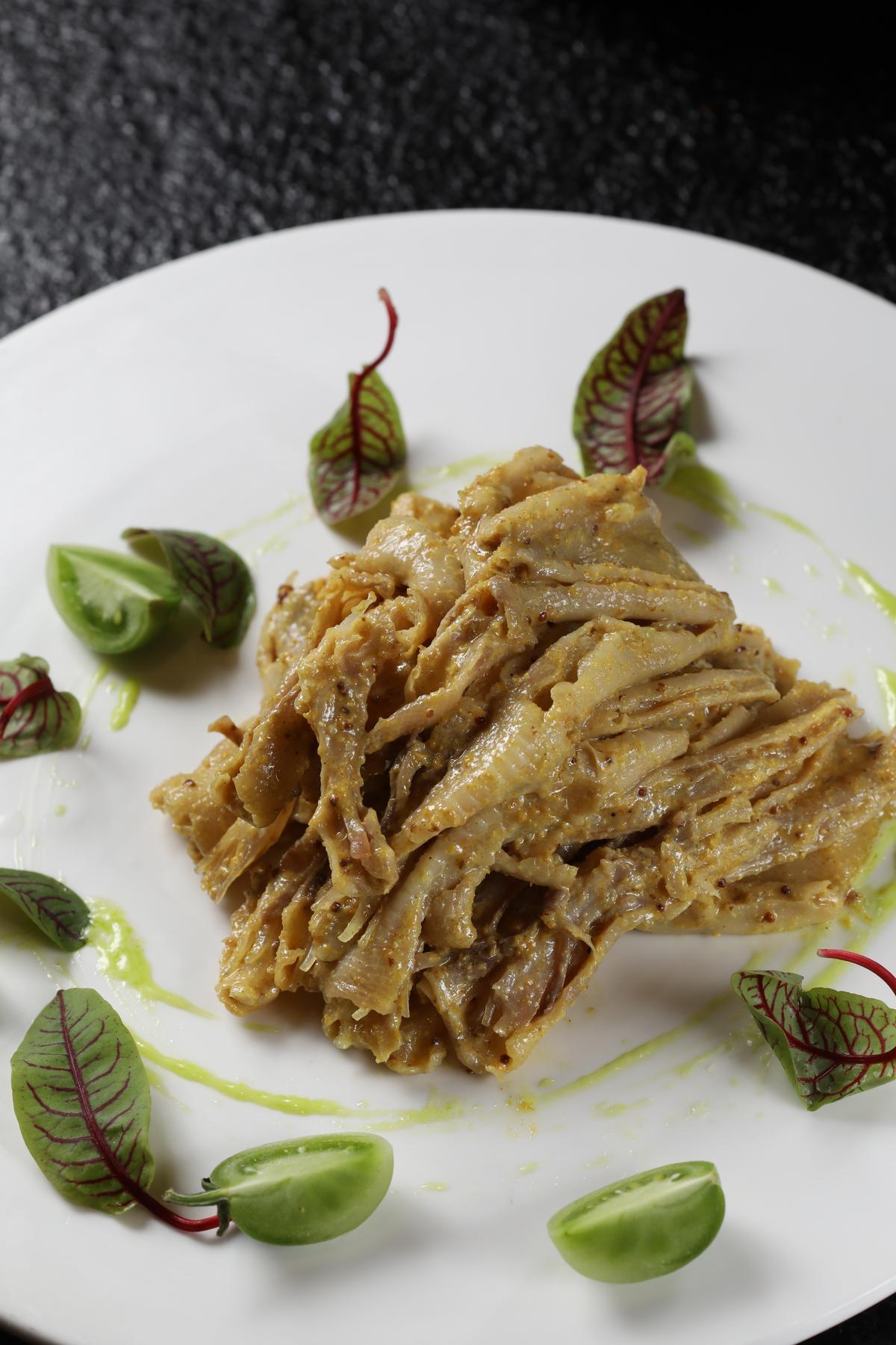 涼菜「香川真芥鴨掌」的芥末辣非常夠味。(人民幣38元/份,約NT$171)