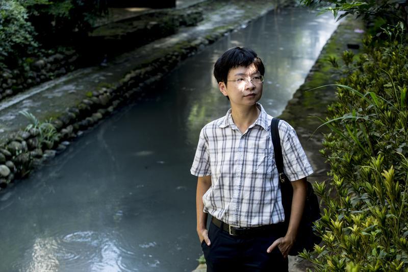 撰寫《舒蘭河上》期間,謝海盟每天都要走路5、6小時,「精靈寶可夢GO」是他走路時的知音,而他本身也是等級40的頂級訓練師。