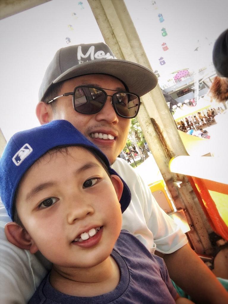 香港人Stephen領頭帶兒子蹺課趴趴走,結果太喜歡台灣, 決定全家定居下來。(Stephen提供)