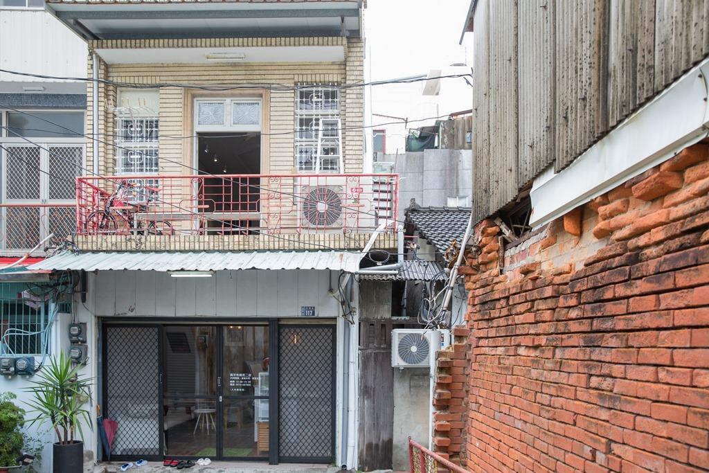 二店隱身在台南巷弄的一棟老房子裡。