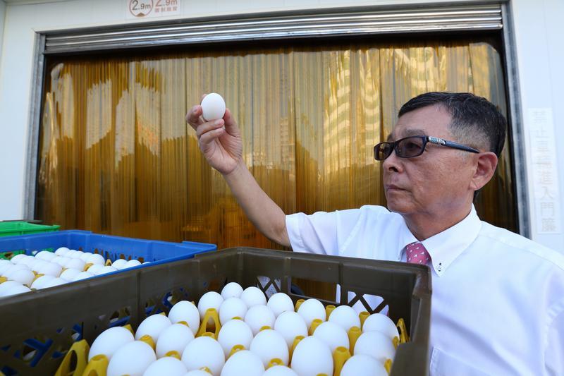 王榮得雖然養過蛋雞,但為了生產鐵蛋等加工蛋品還是摸索許久。