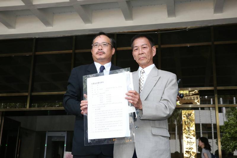 翁炳堯(右)透露,當年他說不認識郭台強,是為了幫郭台強脫罪。