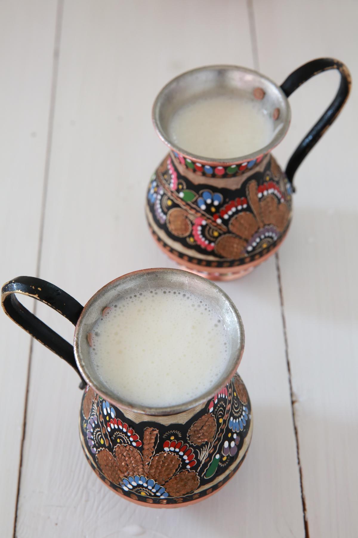 「酸奶」每天新鮮現量供應。(80元/杯)