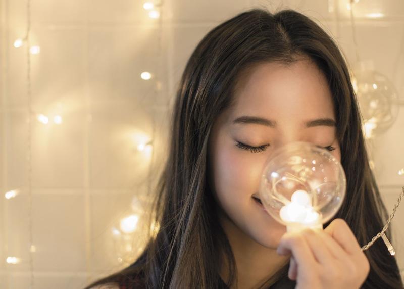 青春正好的歐陽娜娜說自己:「雖然可能做著心智成熟一點的人在做的事情,但是內心還是一個小孩。 」