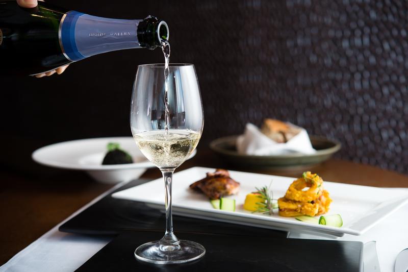 來自英國的「布萊谷酒莊」氣泡酒,是近期十分受矚目的葡萄酒款。
