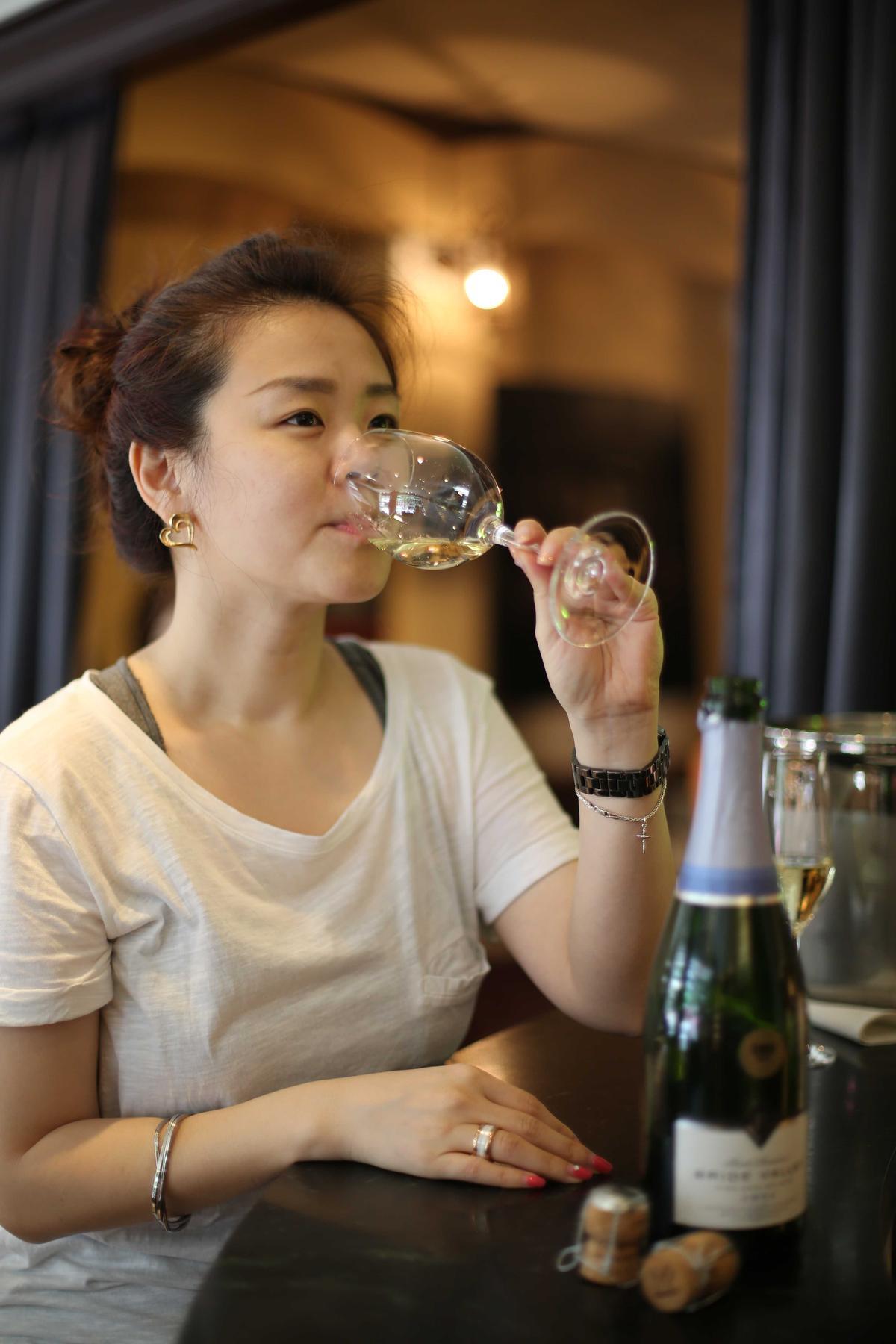 英國受氣候暖化之賜,已可釀出實力堅強的氣泡酒,清脆爽口深受女性歡迎。