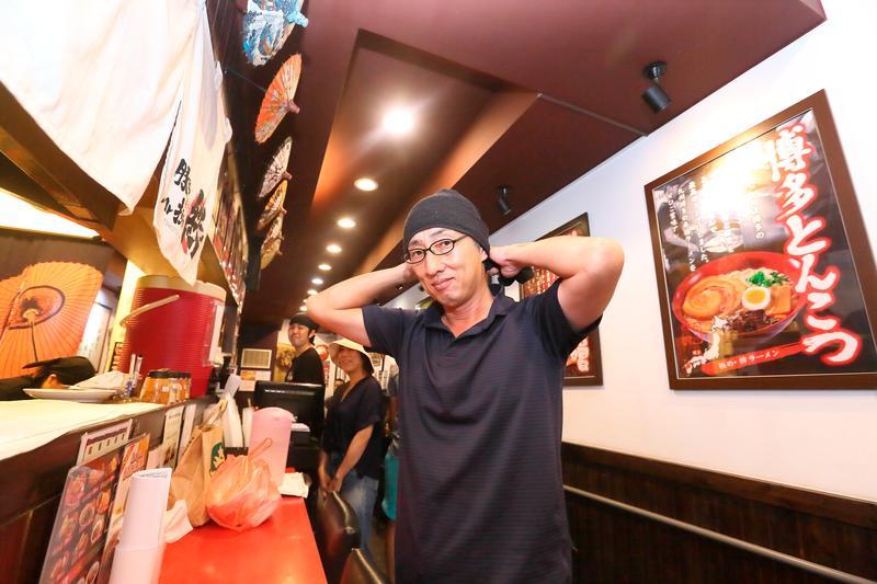42歲的野崎孝男當過記者、議員,2007年來台攻讀博士、創業。