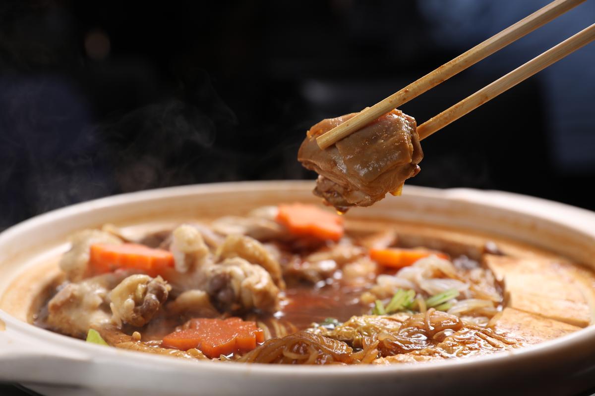 「樞」的地雞料理在名古屋有口皆碑。(會席料理每人約7,000日圓,約新台幣1,974元)