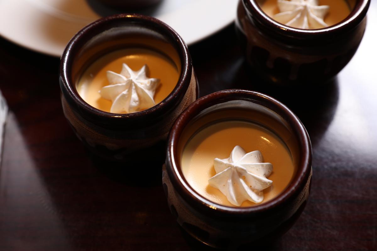甜點同樣是地雞料理的壓軸,濃鬱的蛋黃與奶香,讓人捨不得剩下任何一口。