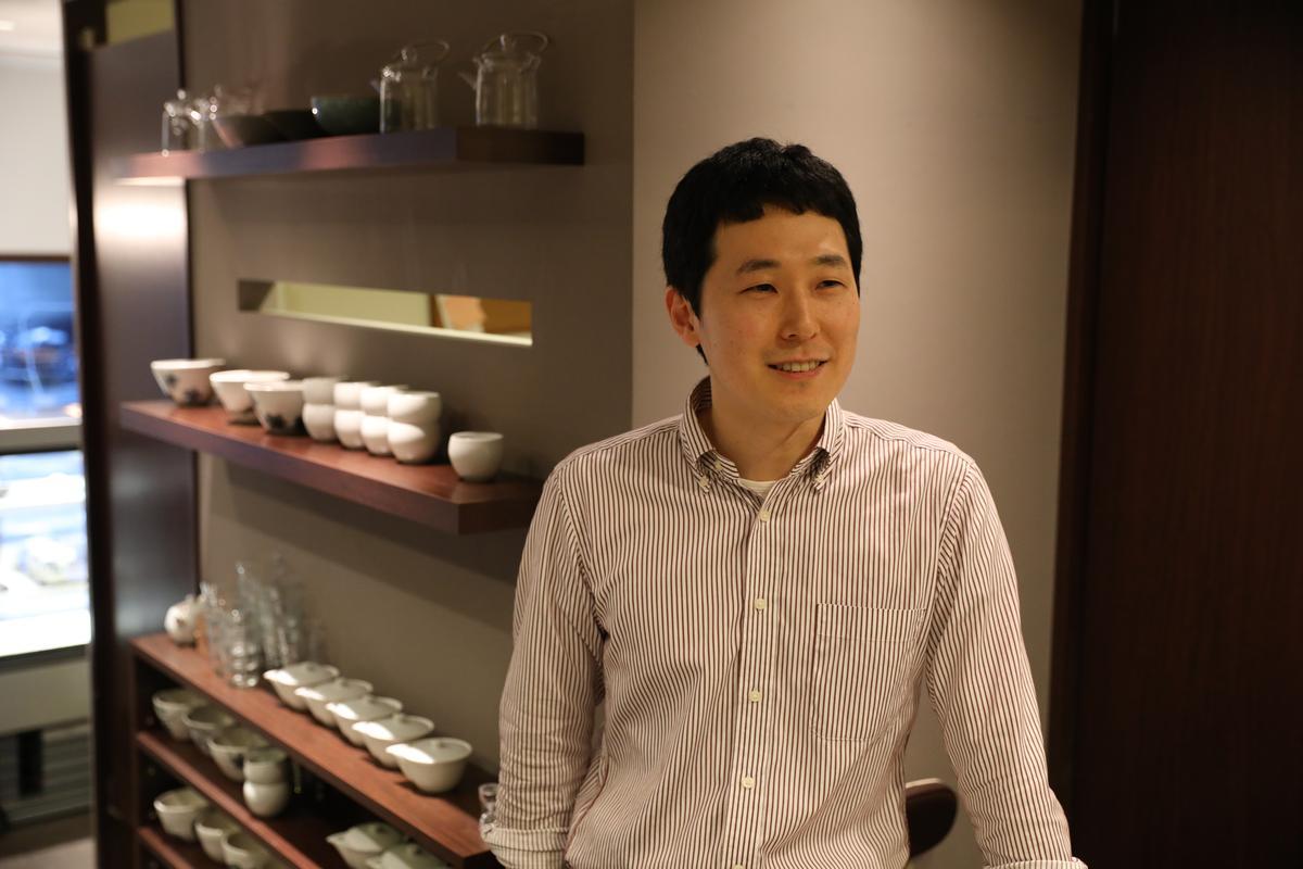 靦腆的甜點店主人,希望上和菓子能成為每個人都能輕鬆品嘗的甜點。(905日圓/份,約NT$245)