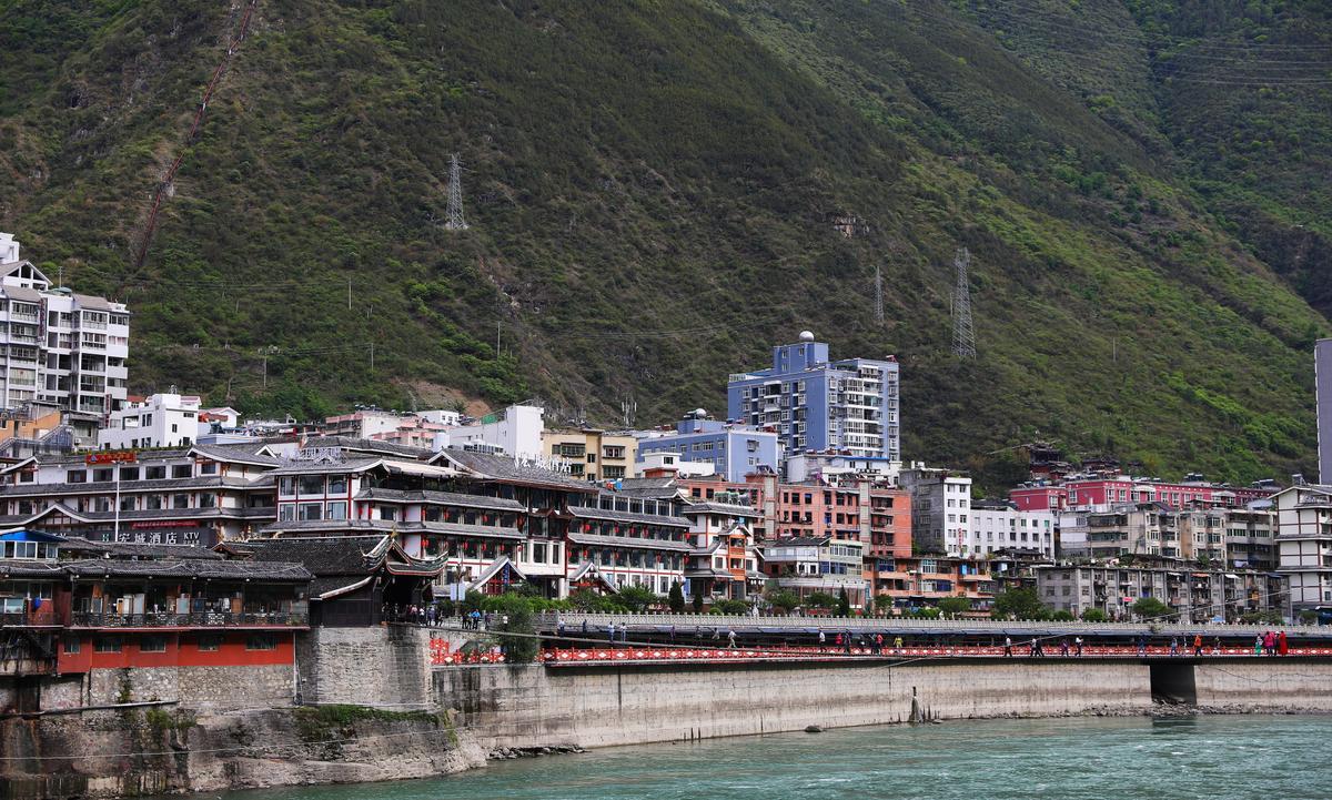 瀘定是「茶馬古道」上的重鎮,在明清時代非常繁榮。