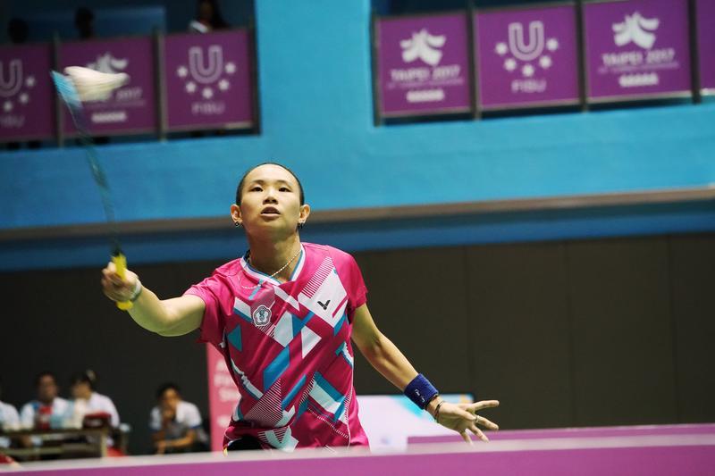 戴資穎展現過人球技,「拍」下日本選手下田菜都美。