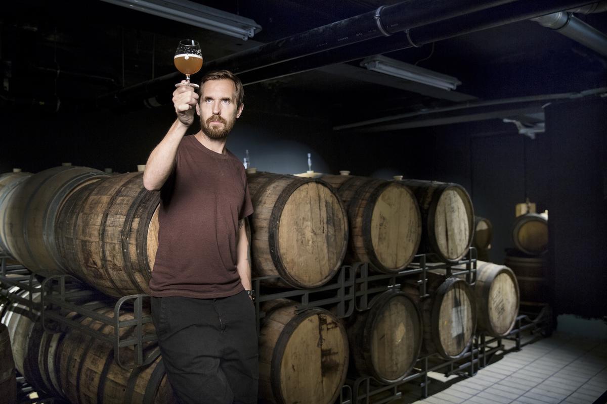 Mikkeller的創辦人Mikkel  Borg Bjergsø非常熱愛調酒,也做許多桶陳啤酒。(Mikkeller提供)