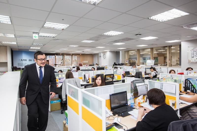平出莊司要求,員工要把自己當成台灣的外交官,讓每個造訪的海外遊客,都能對台灣留下美好的回憶。