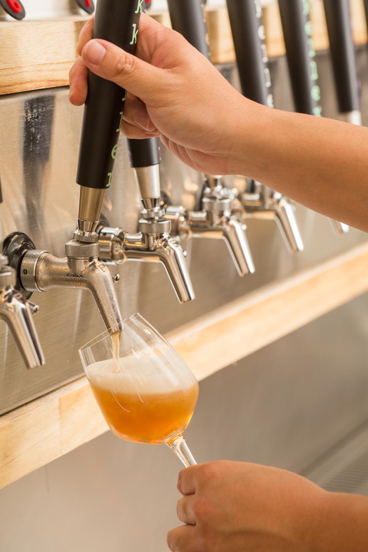 這支Whisky Sour風啤酒,將在「Bar Surfing Week」期間於米凱樂啤酒吧限量供應。