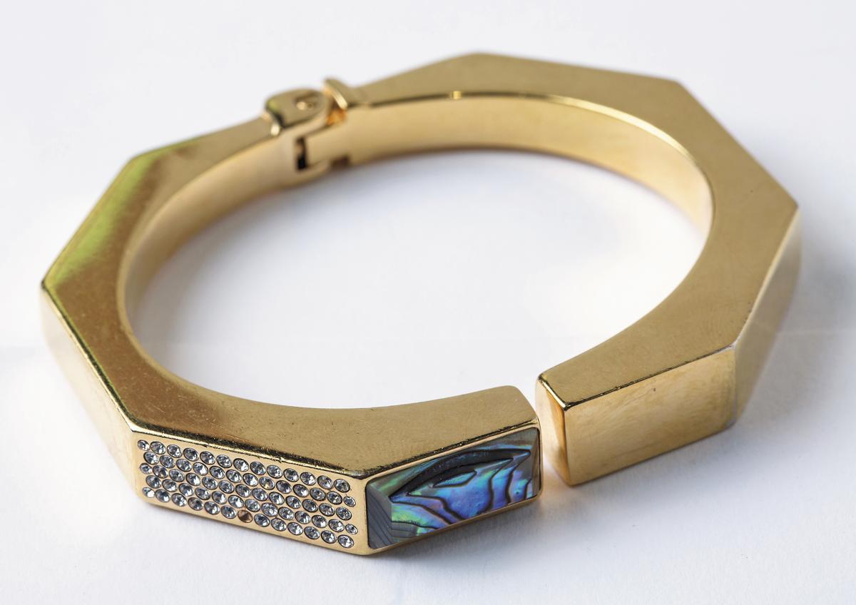 VITA FEDE方形手環。NT$23,000