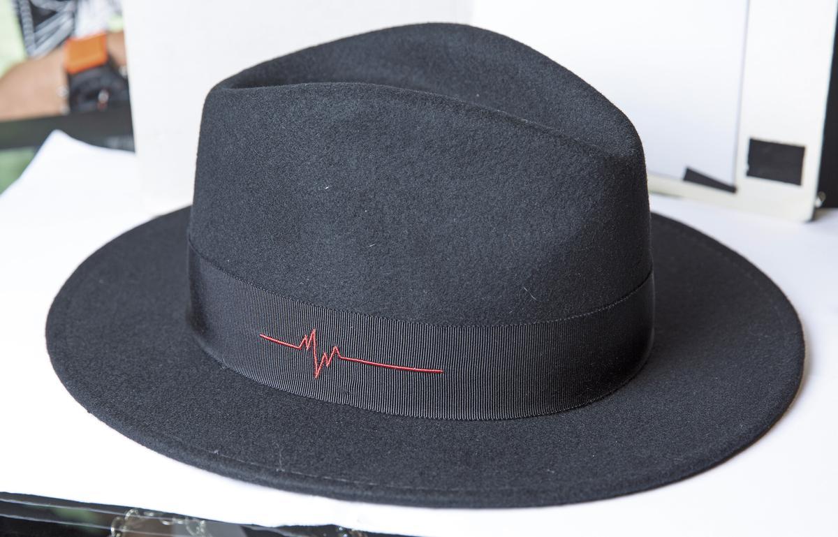 DON PARIS黑色圓帽。NT$5,000