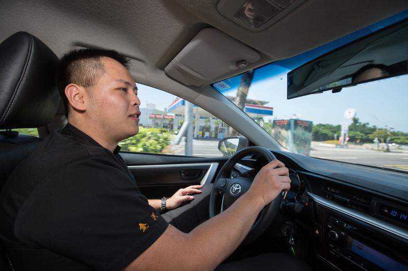 金沢千味軒的年輕老闆林勁勳,除了奔波工廠和店面外,也時常開車到處去各式西點、麵包、甜點店觀摩學習,掌握最新的業界流行脈動。