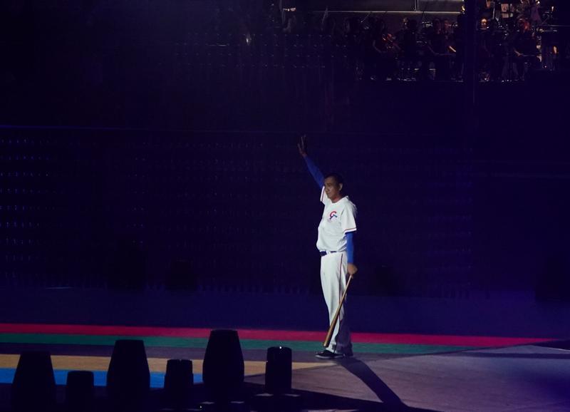 在2017世大運開幕式揮出「鋒砲」點燃聖火的陳金鋒,獲推薦「十大傑出青年」選拔活動。
