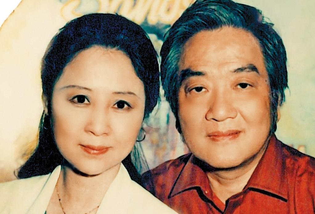 瓊瑤(左)和平鑫濤(右)結縭36年,結識時2人各有婚姻,相戀16年才終於修成正果。(天下文化提供)