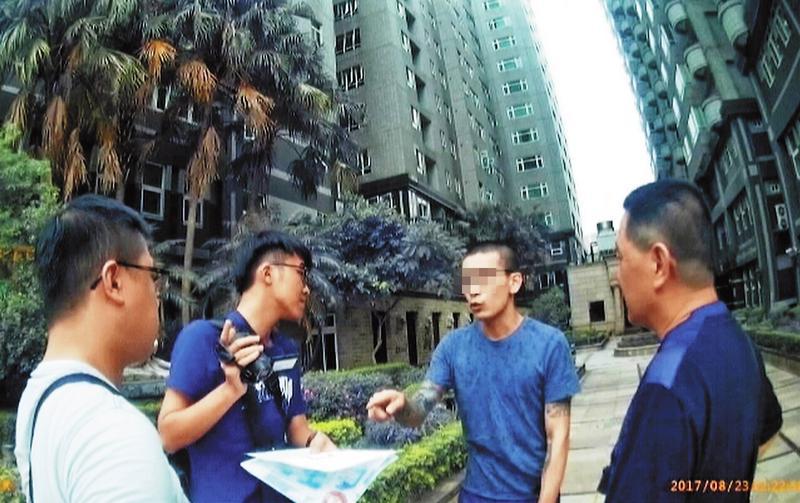 李姓富少獨居在豪華社區,卻因不繳房租而被逮捕。(翻攝畫面)
