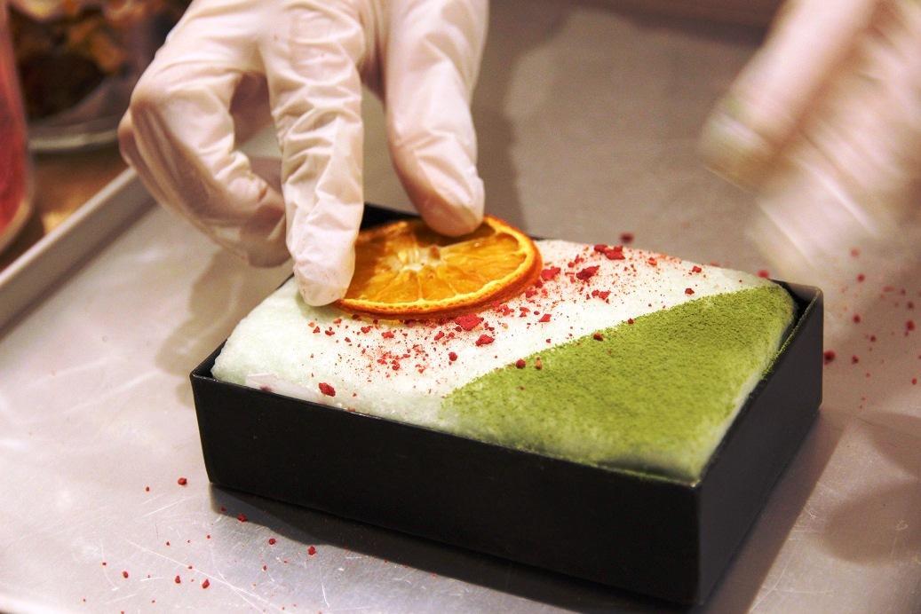店內可以清楚看見棉花糖的製作過程。