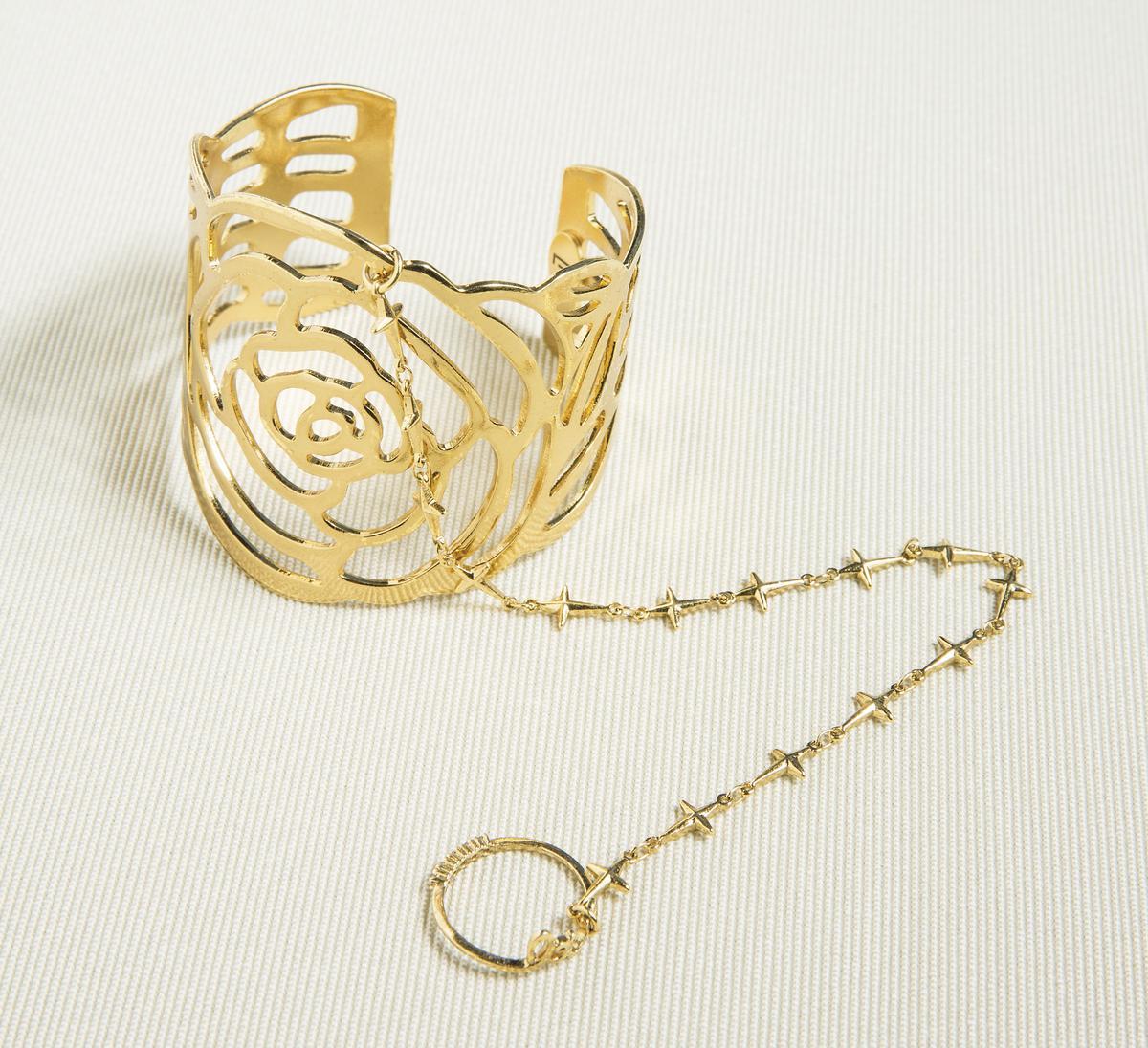 ecllective玫瑰花造型手環。廠商贈送