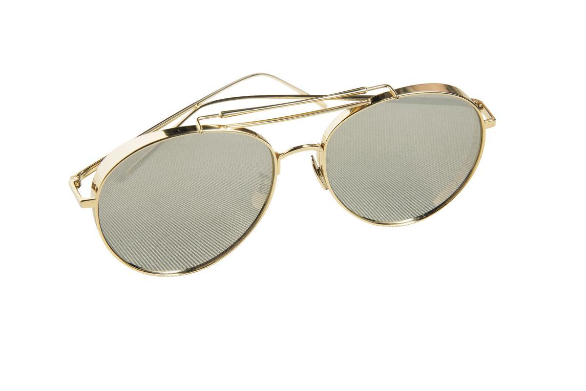 GENTLE MONSTER墨鏡。約NT$7,000