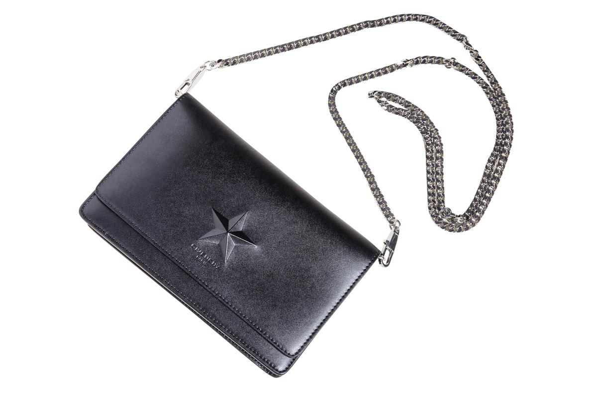GIVENCHY鍊帶包。約NT$33,000