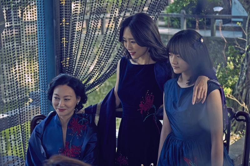 《血觀音》有3屆香港金像獎影后惠英紅坐鎮,帶領吳可熙、文淇等後輩飆戲,演出一家3個女人之間的心機鬥爭。