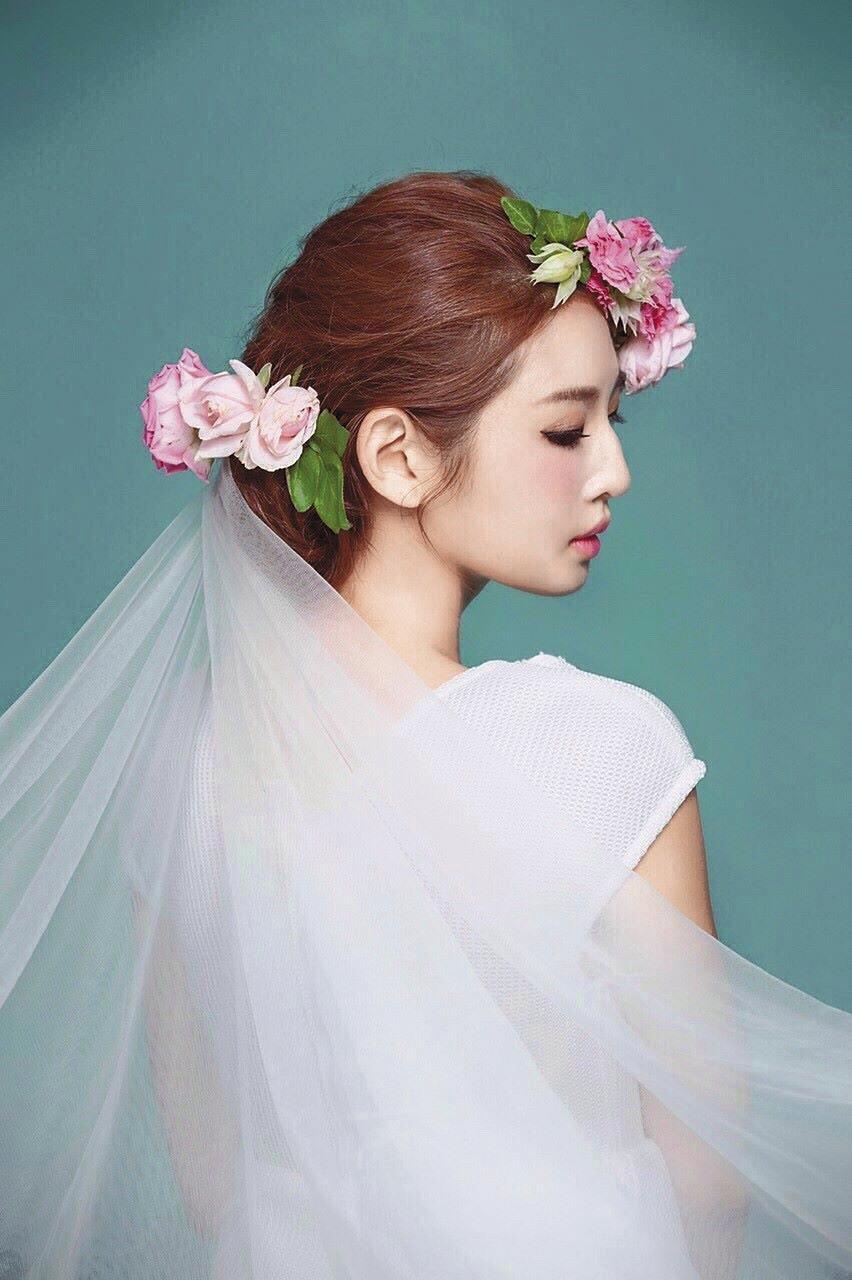 趙筱葳去年結婚後,還來不及披上正式婚紗就結束這段短命婚姻。(翻攝自Ivy Chao臉書)