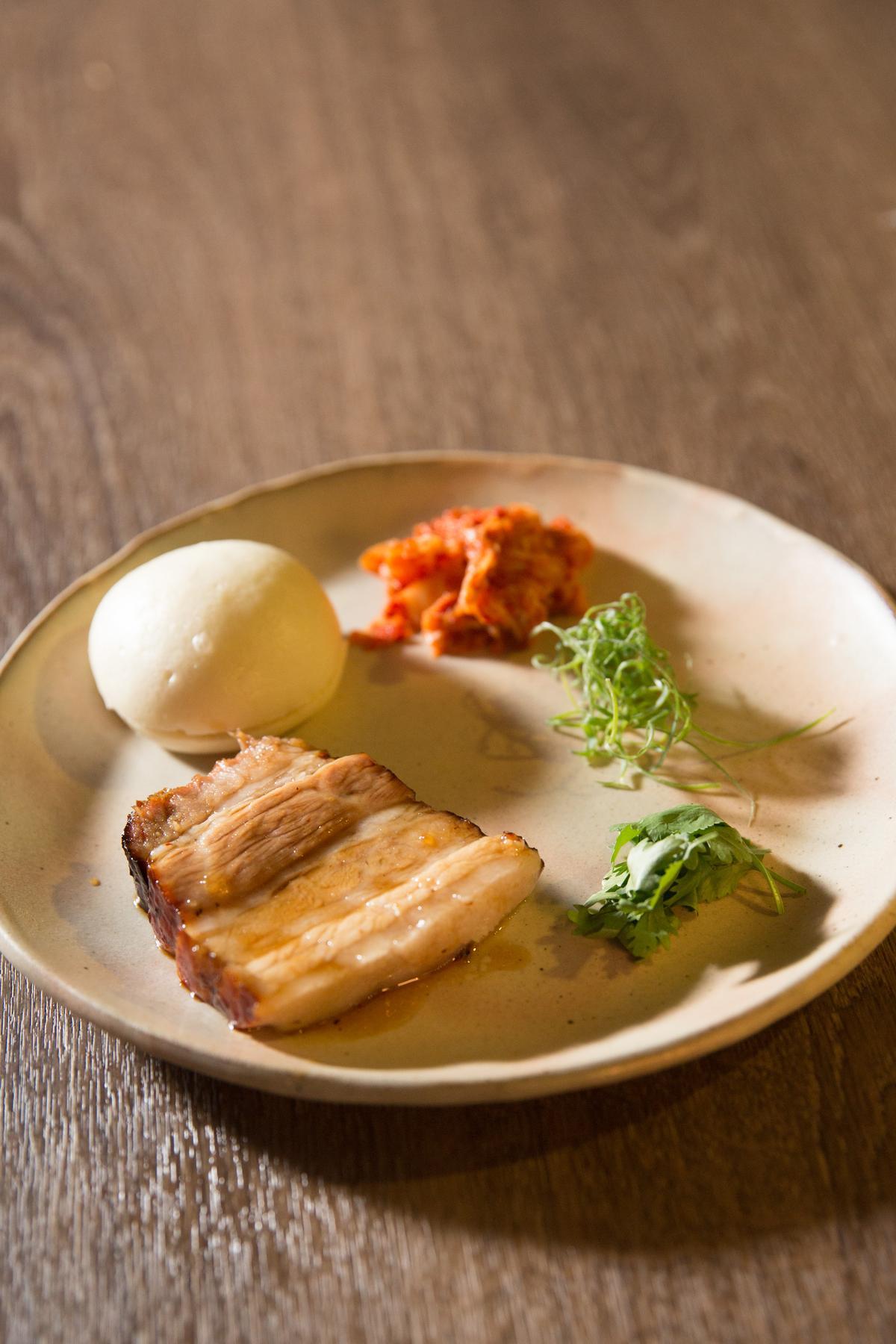 林明健版本的叉燒包綜合了台式刈包、韓式泡菜、港式叉燒的元素。