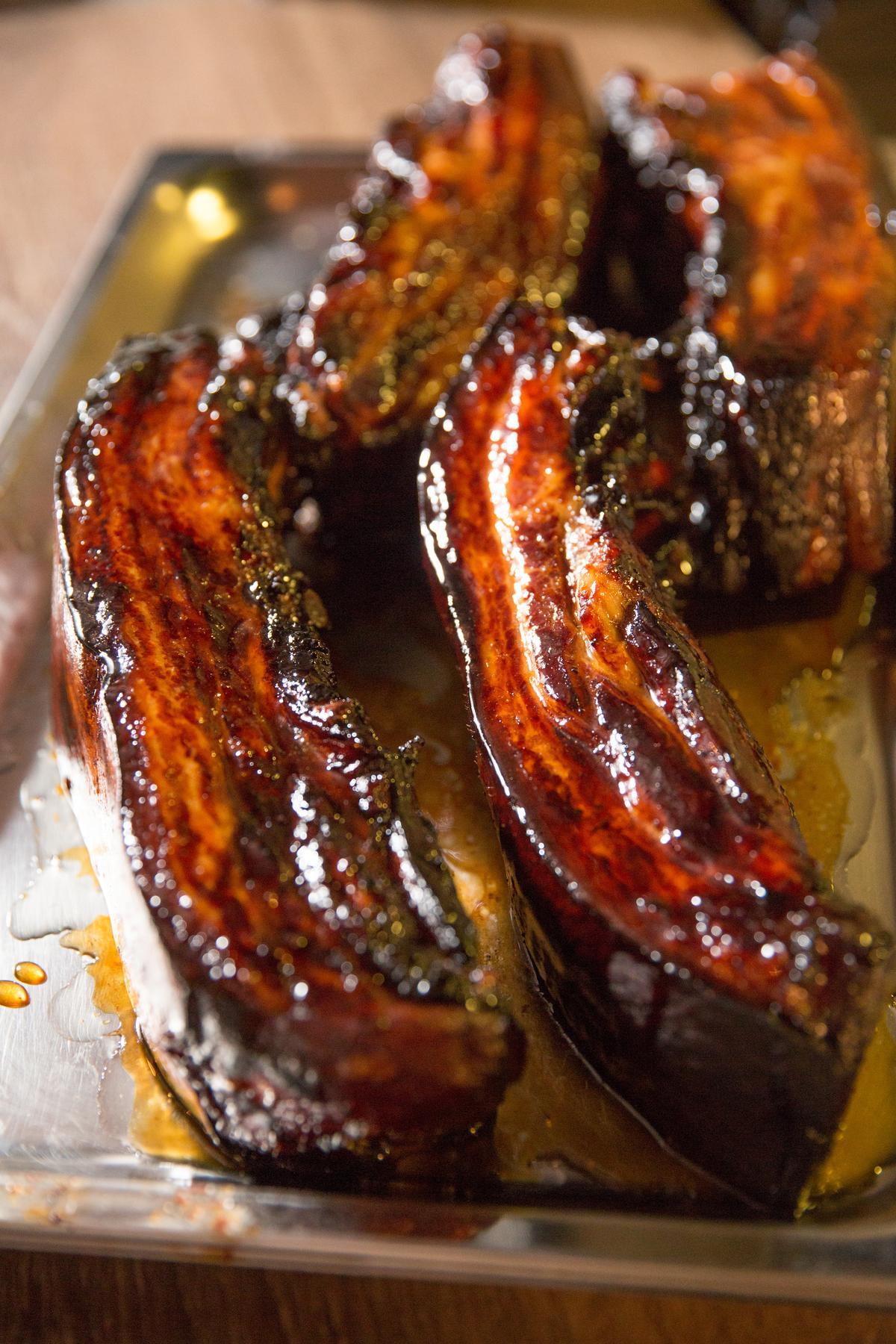 蜜烤得油亮潤澤的叉燒,是叉燒包的靈魂。