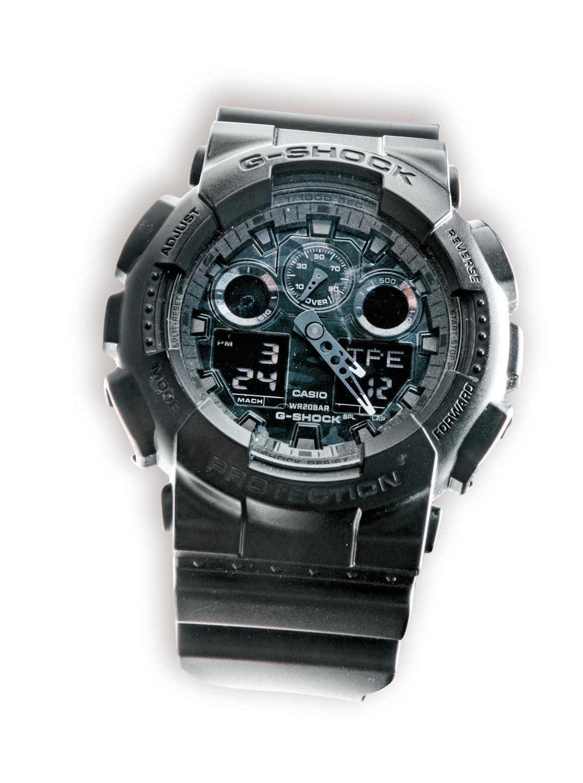 G-SHOCK黑色手錶。約NT$6,000