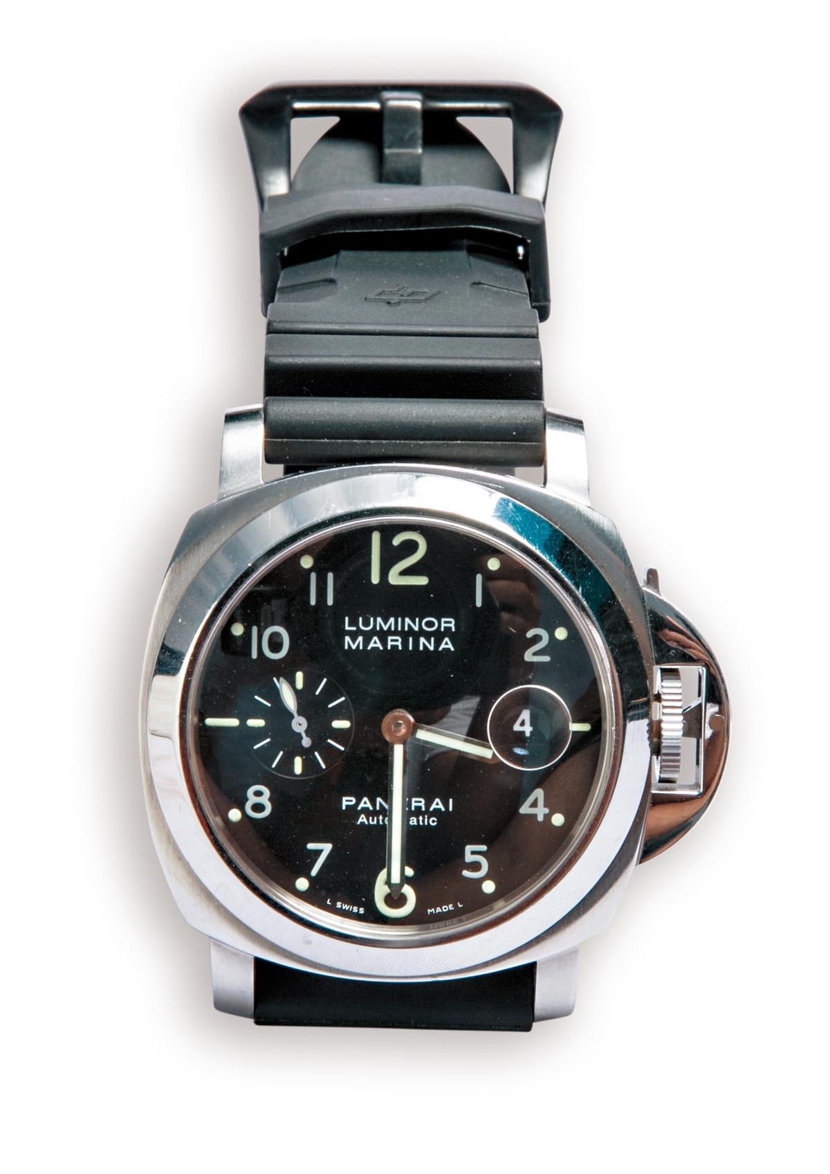 PANERAI手錶。約NT$180,000